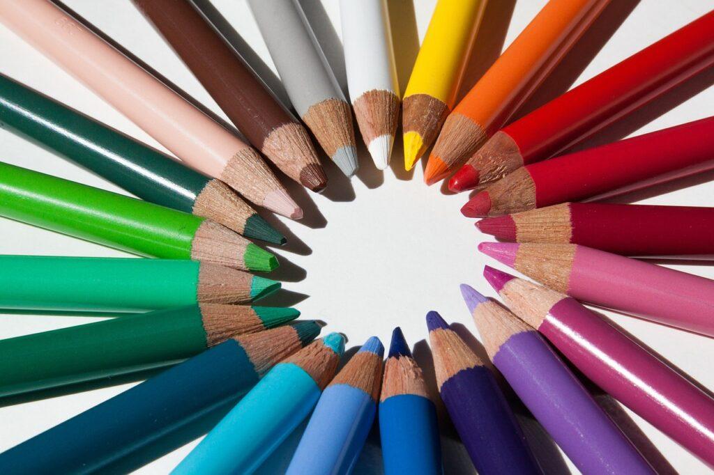 colored pencils, colour pencils, star